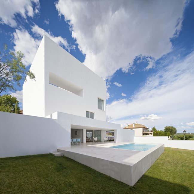 White house design by Alberto Campo Baeza