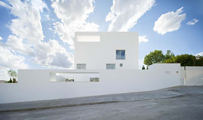 White house design by Alberto Campo Baeza