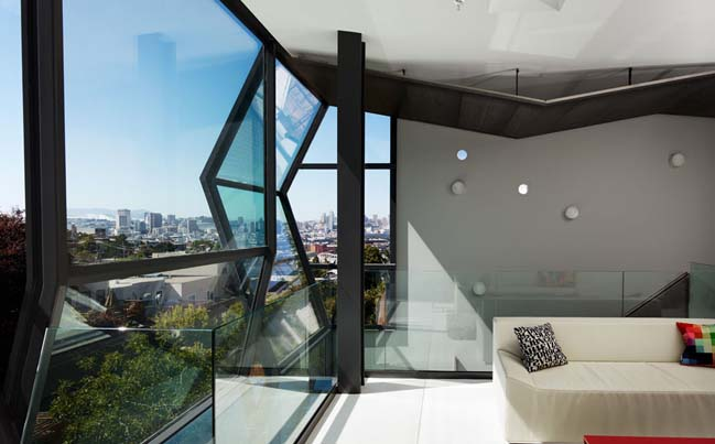 San Francisco house with glass flip facade