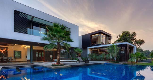 Luxury Farm House modern farmhousedada partners