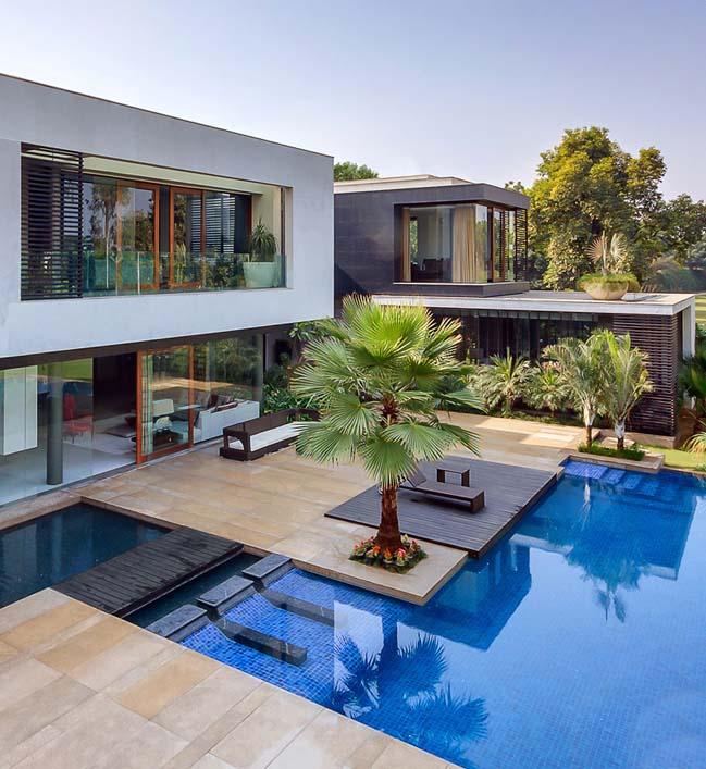 Luxury Farm Homes: Luxury Modern Farmhouse By Dada Partners