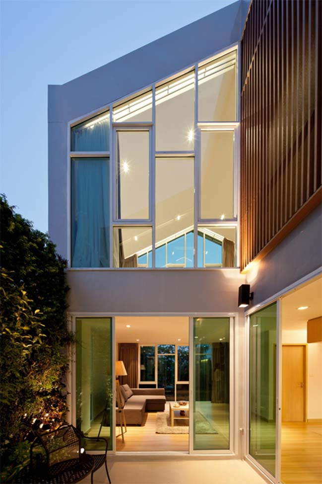 Modern townhouses with mixed-use space for living and working