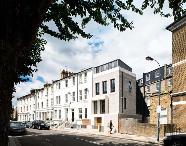 Tailored House by Liddicoat and Goldhill