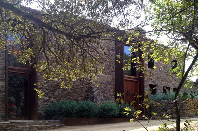 Gavarres Weekend Home by ZEST architecture