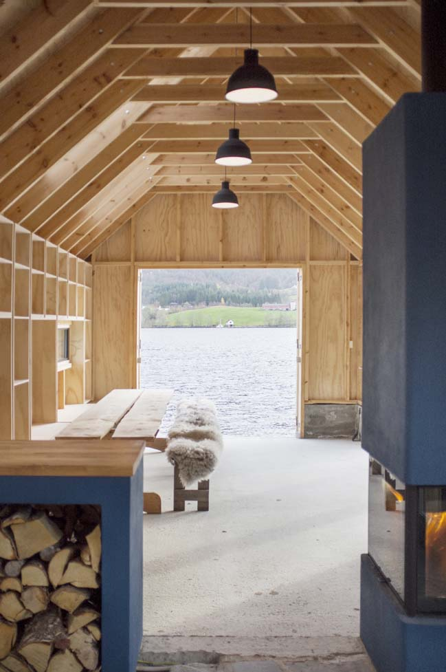 Timber boat house by Kolab and Koreo Architects