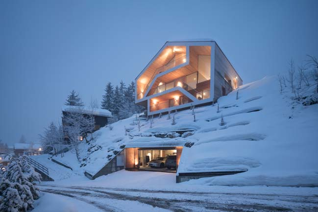 Luxury chalet by SeARCH