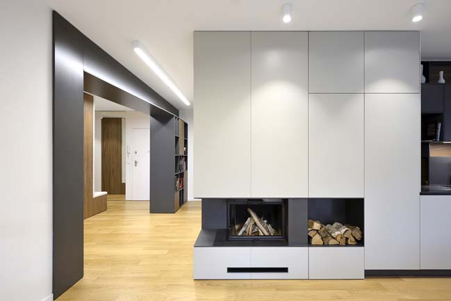Modern apartment with smart layout by SoNo Architects