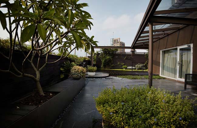 Sky villa by CJ STUDIO-ShiChieh Lu