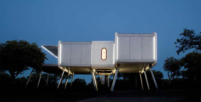 Spaceship House by NOEM