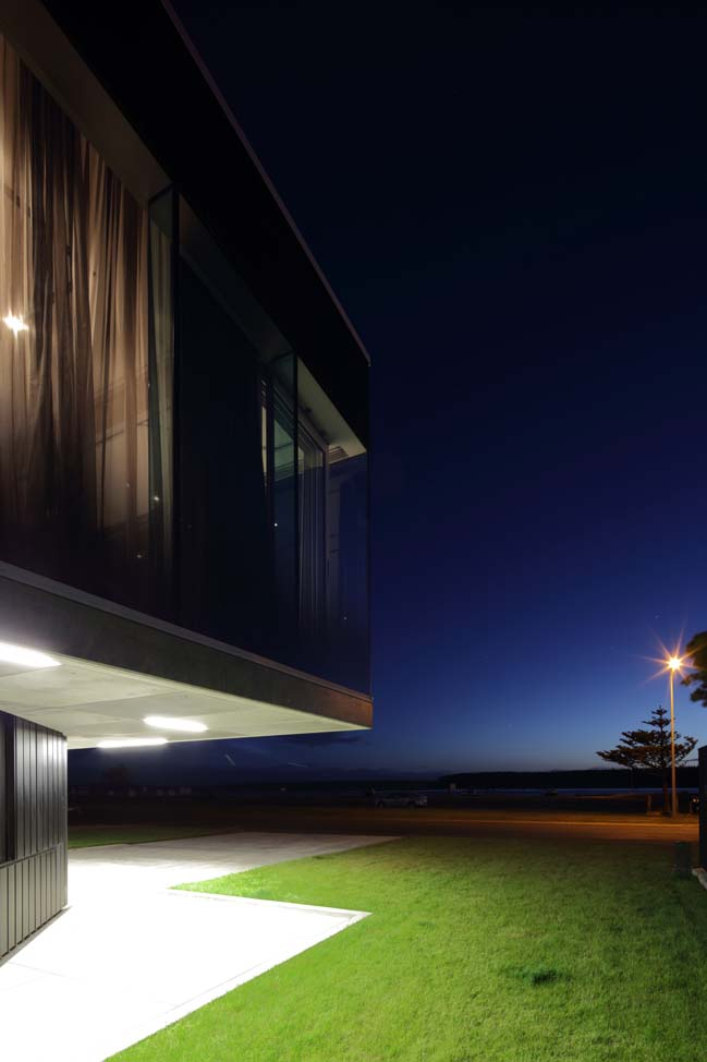 Foxton Beach House by Pattersons