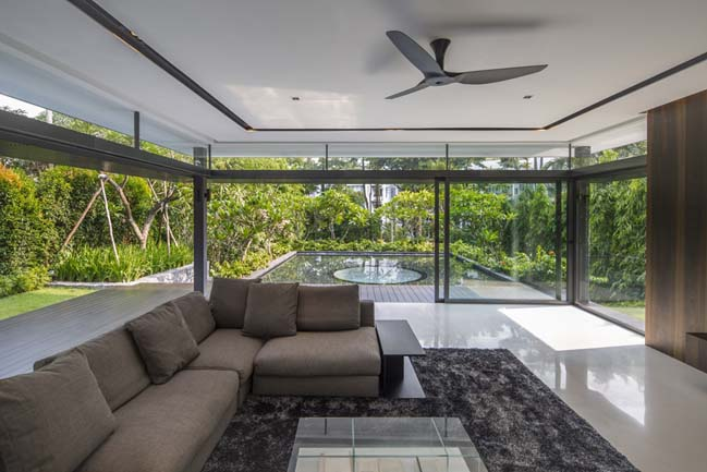 Luxury villa in Singapore by Wallflower Architecture