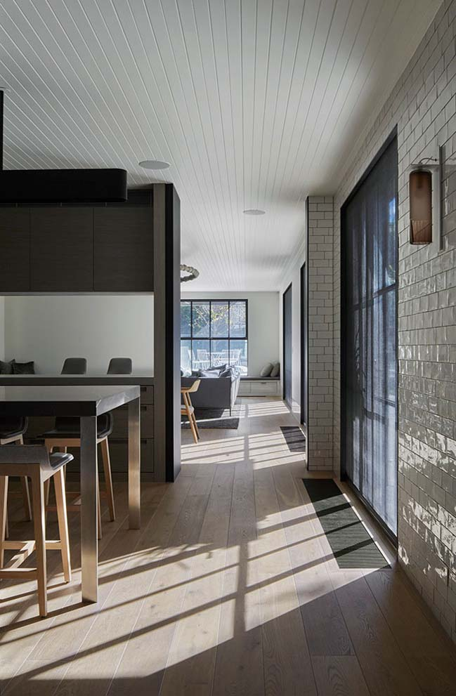 Hopetoun Road Residence by b.e architecture