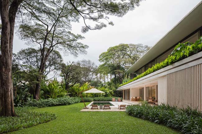 JE House by Jacobsen Arquitetura