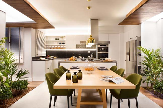 Modern house for ten by Egue y Seta
