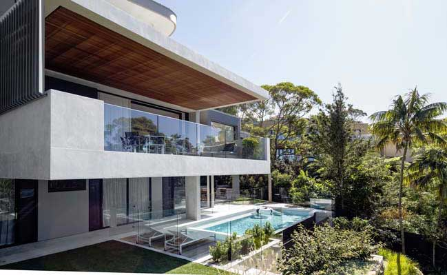 Luxury modern villa in Sydney by Corben Architects