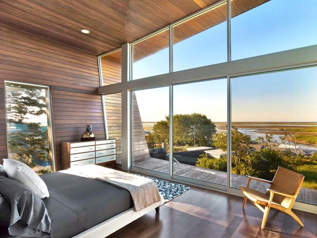 Cape Cod Beach House by Hariri & Hariri Architecture
