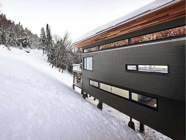 Modern ski chalet in Canada by RobitailleCurtis