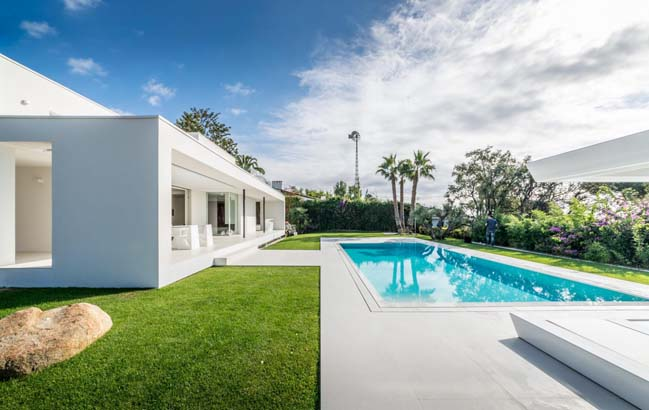 Extraordinary modern house by 08023 architects for Home design agency barcelona