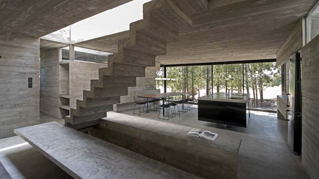 L4 House by Luciano Kruk
