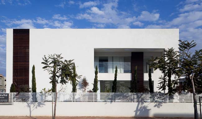 Savyon House D by Dan and Hila Israelevitz Architects