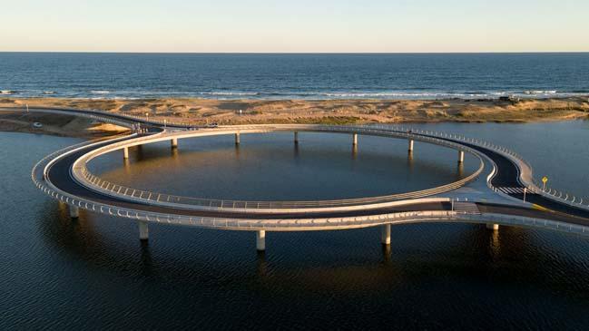 Laguna Garzón Bridge by Vinoly