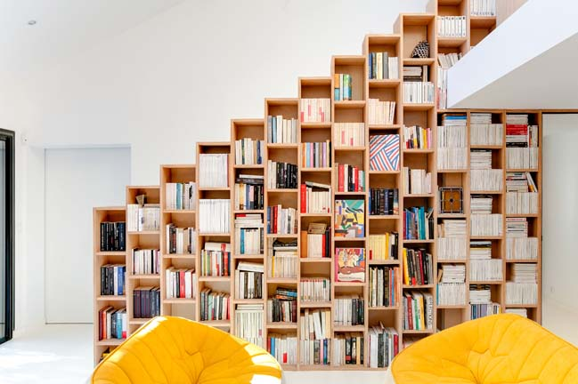 Bookshelft House by Andrea Mosca