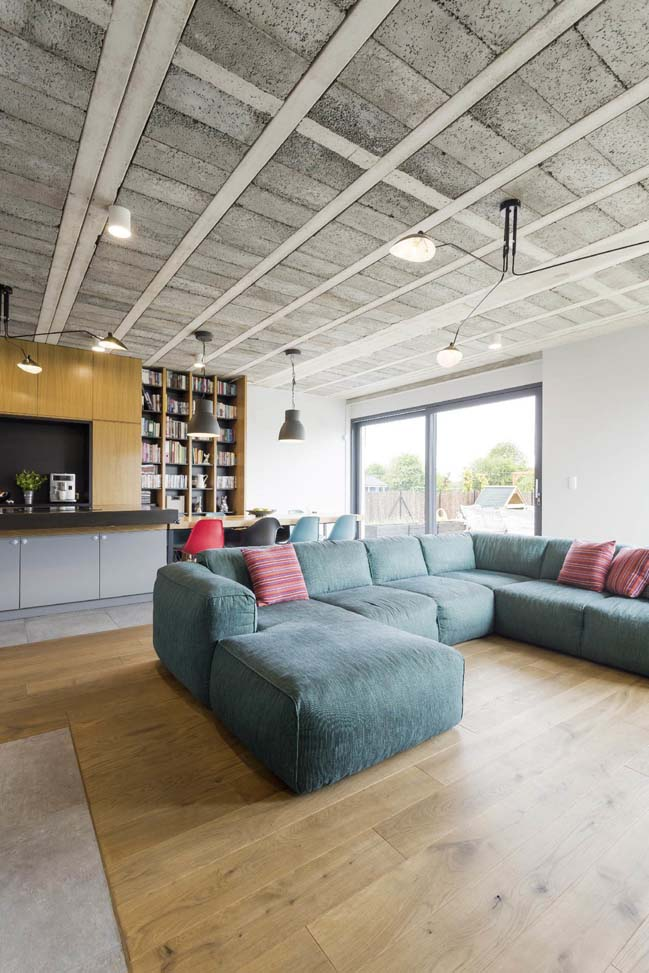 Modern house for small family in Poland by mode:lina