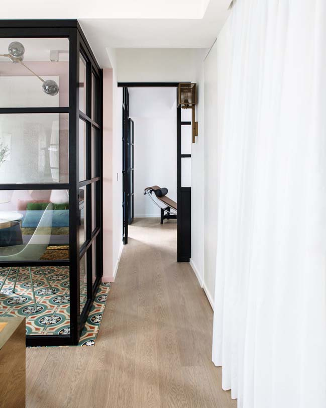 Traditional 3-bedroom apartment by Lim+Lu