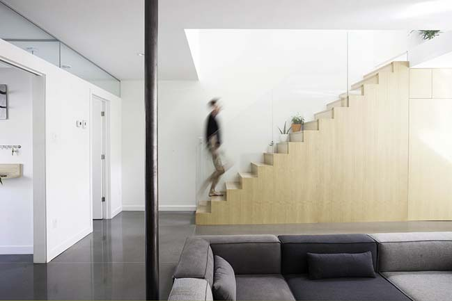 Modern duplex townhouse in Montreal by APPAREIL Architecture
