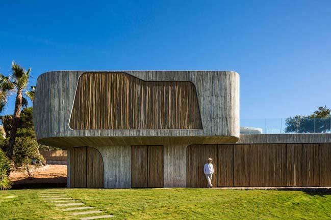 Villa Mediterraneo Ibiza by Metroarea Architetti