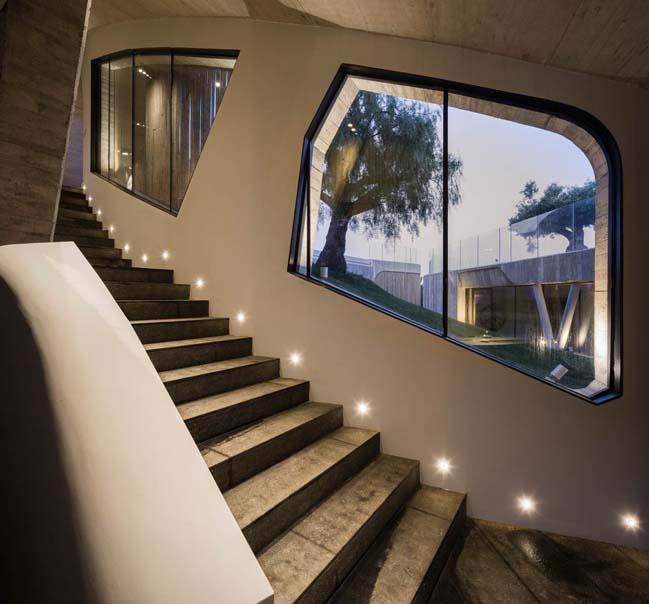 Luxury modern villa in Ibiza by Metroarea Architetti