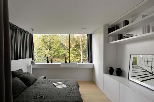 Black Modern Villa by K2A