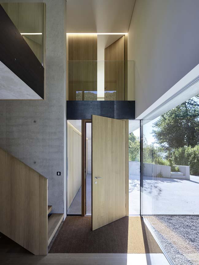 3-storey modern house by Dietrich | Untertrifalle