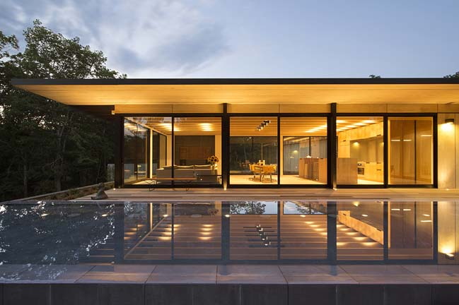 Luxury modern villa in New York by Bates Masi Architects