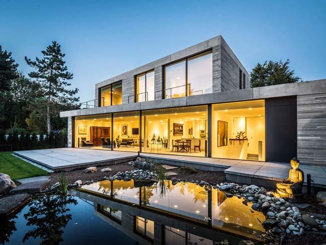 Modern residence by Corneille Uedingslohmann Architekten