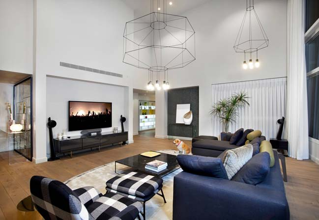 Modern apartment renovation by Gila Shemie Zakay