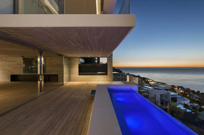 Luxury moder villa in Cape Town by Three14 Architects