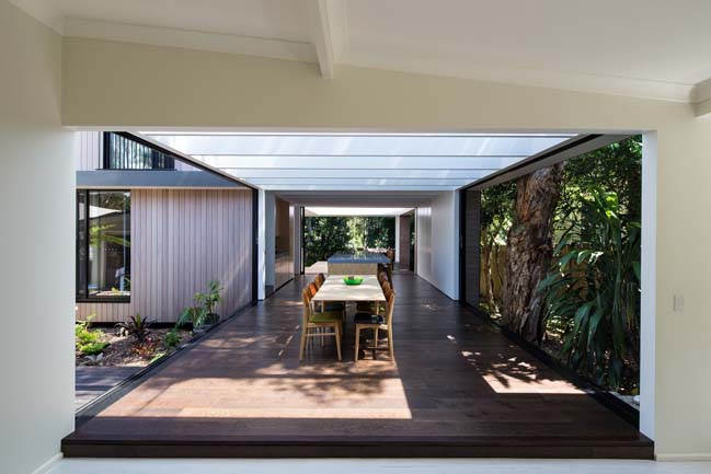 Contemporary beach house in Sydney by pH plus