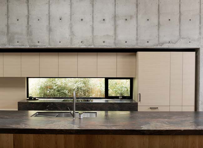 Concrete Box House by Robertson Design