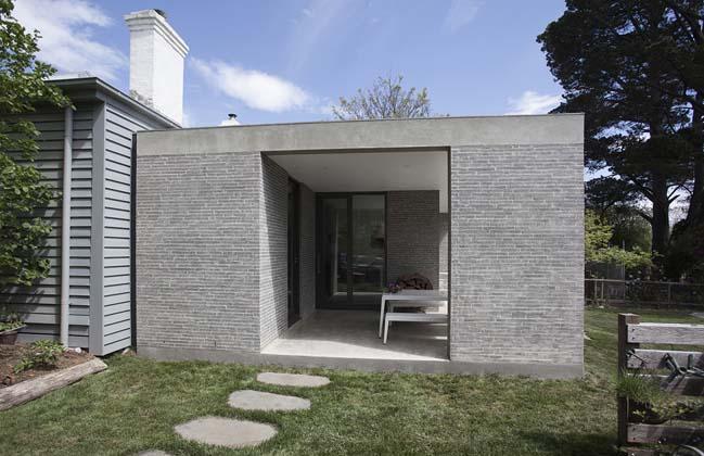 Trentham House by Adam Kane Architects