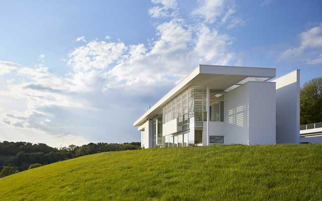Oxfordshire Residence by Richard Meier & Partners Architects