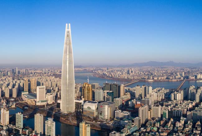 The Lotte World Tower by KPF opens in Seoul