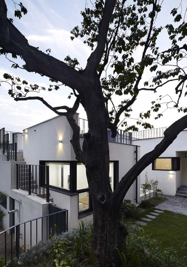 Modern garden house in South Korea by studio_GAON