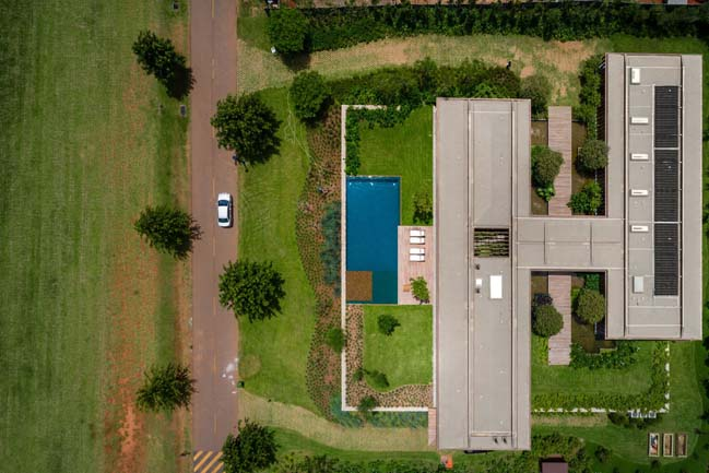 Luxury house in Brazil by Jacobsen Arquitetura