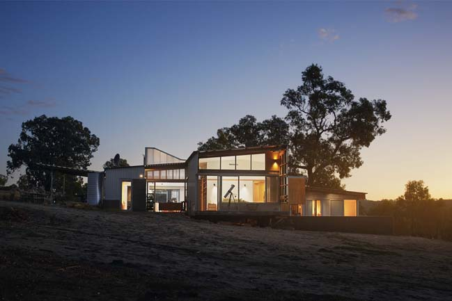Beautiful modern house in Western Australia by A Workshop