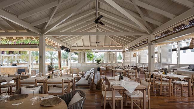 Restaurant and Beach Club on Palm Dubai by ANARCHITECT