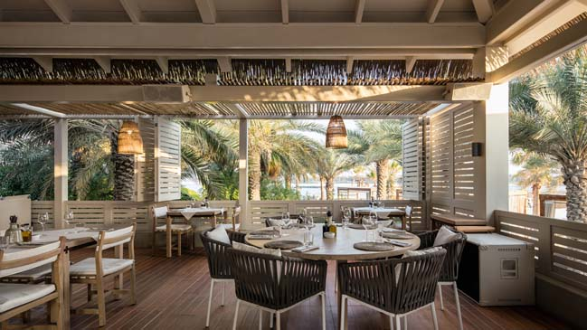 Restaurant and Beach Club on Palm Dubai by ANARCHITECT