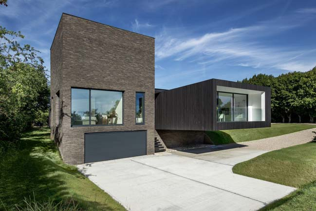 Black House by AR Design Studio