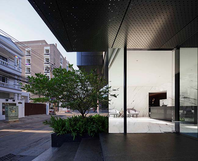 168 Sale Gallery by Ayutt and Associates design