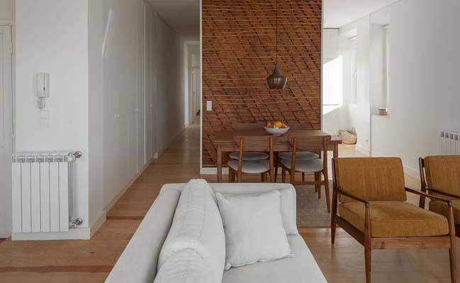 Beco da Boavista Apartment by Paulo Moreira Architects